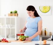 Mẹ bầu 3 tháng nên ăn gì để tốt cho thai nhi ?