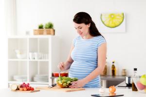 Mẹ bầu nên ăn gì để tốt cho thai nhi