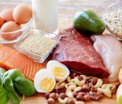 Phụ nữ sau sinh mổ nên ăn gì để nhanh lành vết thương?